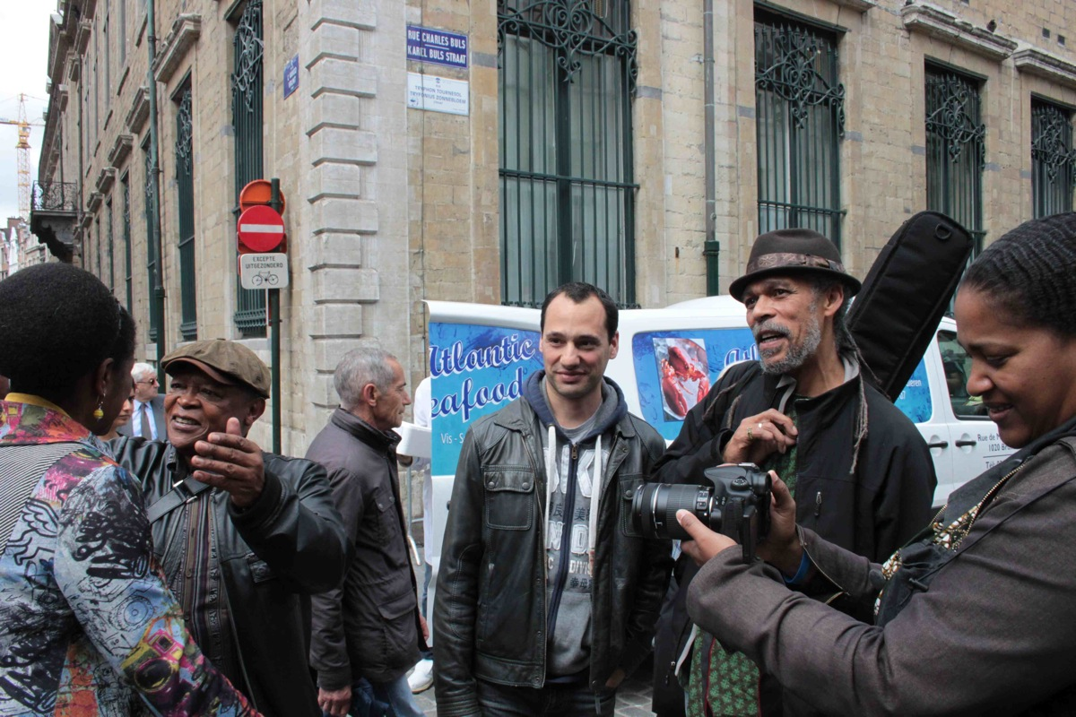 0hmtony cedras with fans - brussels - graceland reunion 2012 20130315 1916064297